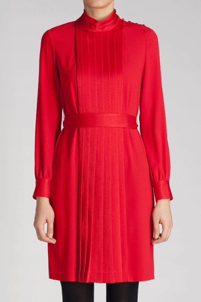 风琴褶裥连衣裙