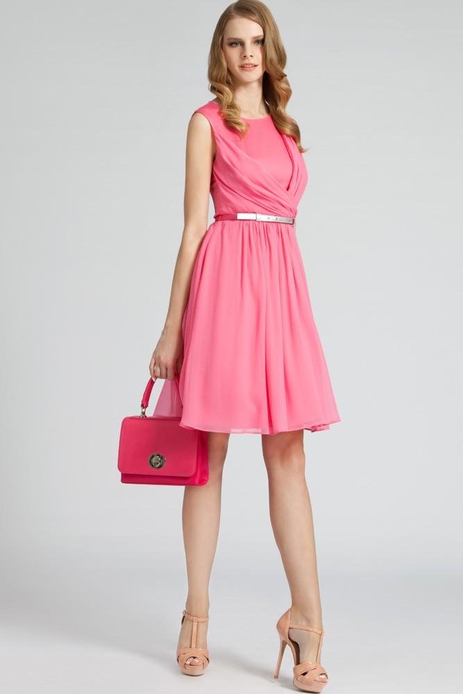 柔美褶裥连衣裙