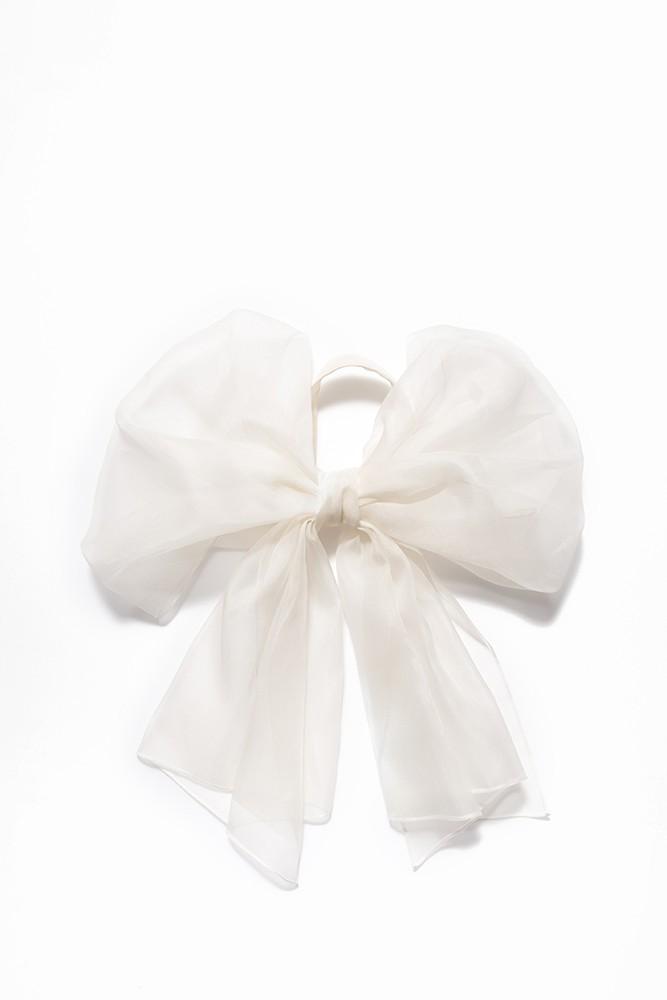 蝴蝶结丝巾
